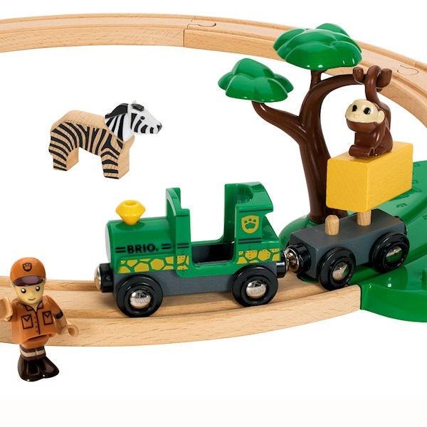Venez découvrir tous les trains en bois de la Maison du Cormoran